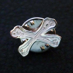 mini cross-bone badge